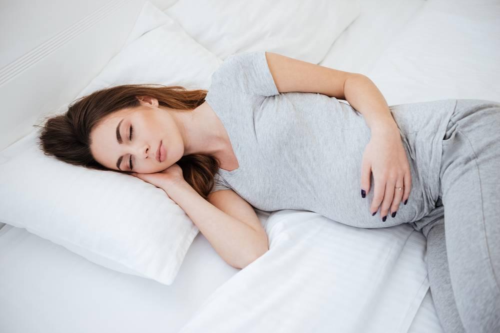 Как спать во время беременности для безопасности малыша