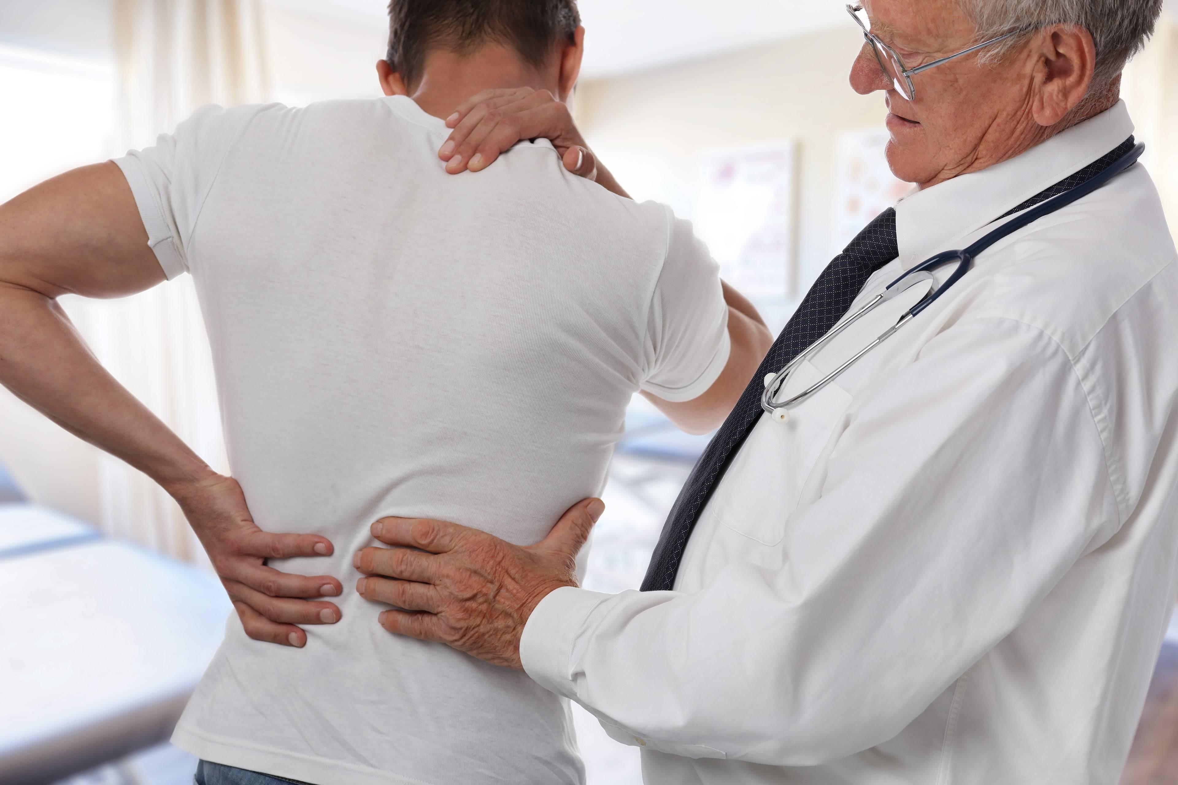 К какому врачу обратиться, когда болят почки