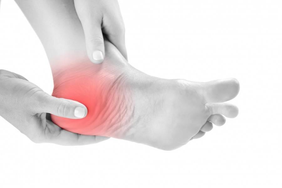 Боль в пятке при наступании: причина и способы лечения