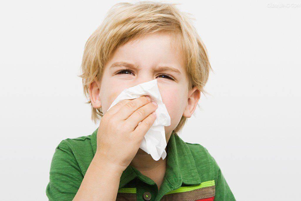 У ребенка осип голос: что делать и как лечить осиплость