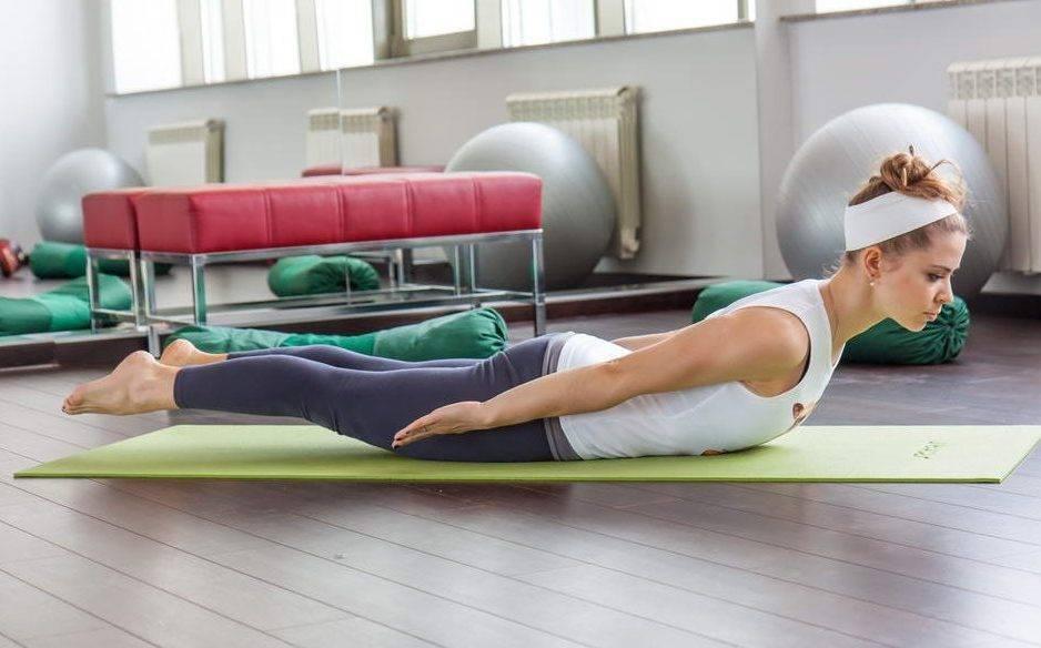 Профилактика остеохондроза - офисная зарядка для спины, видео