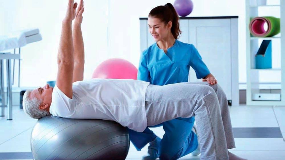 Зарядка для пожилых людей: 27 эффективных упражнений