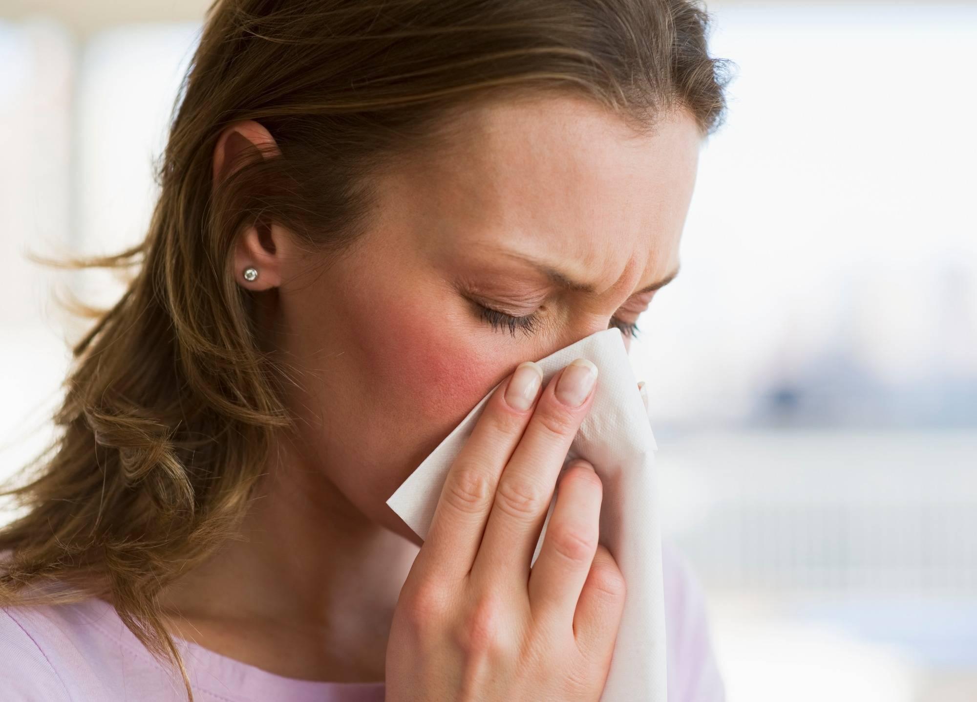 Что делать, если болят глаза при простуде и гриппе?