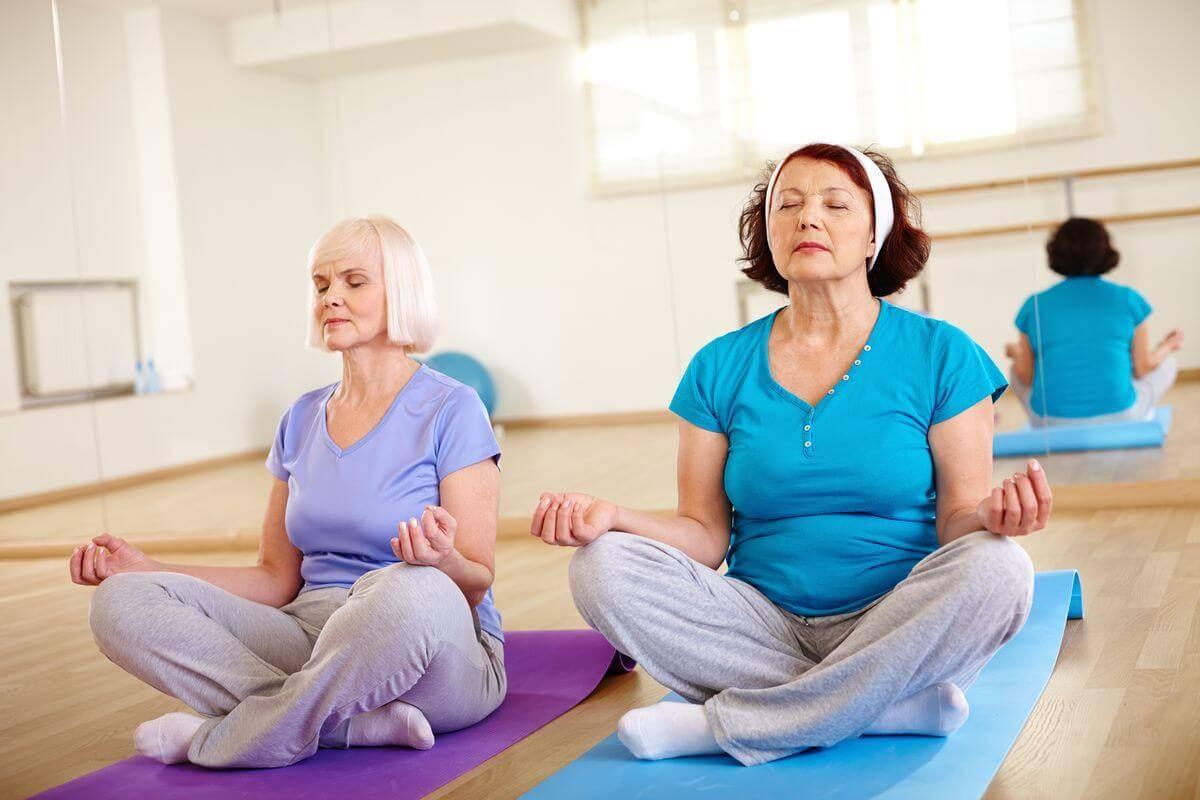 ? гимнастика утром для женщин после 60 - 65 лет ⏰ - видео