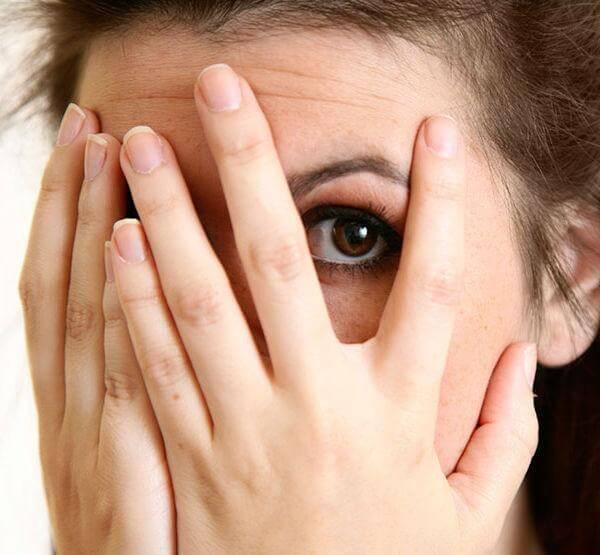 Почему опухают глаза