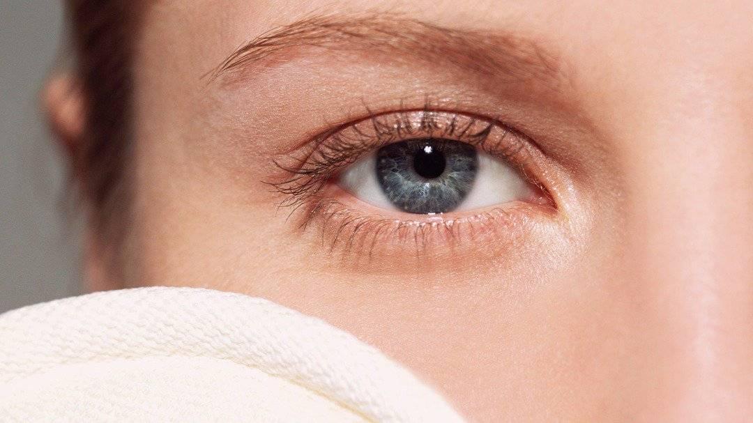 Отек верхнего века одного глаза — причины и лечение