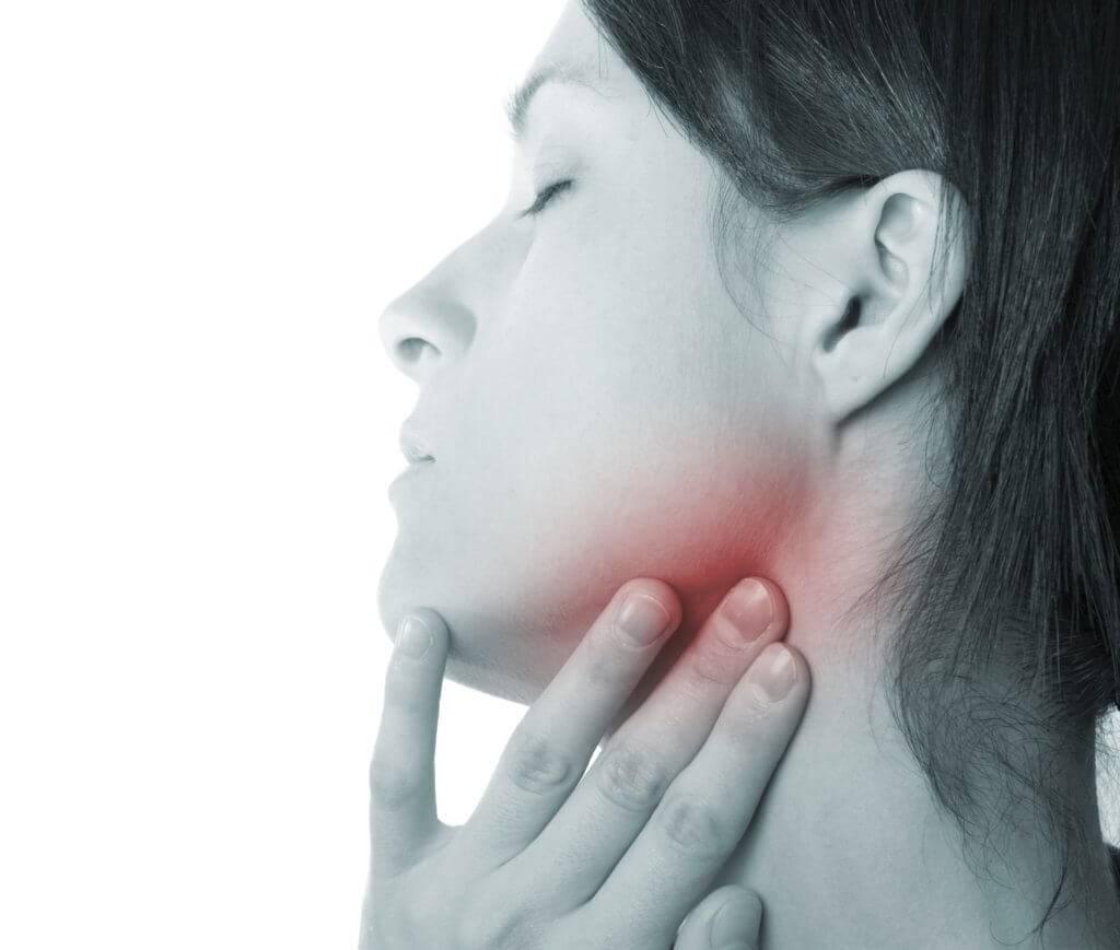 Сводит челюсть при жевании, зевании и разговоре. причины и лечение